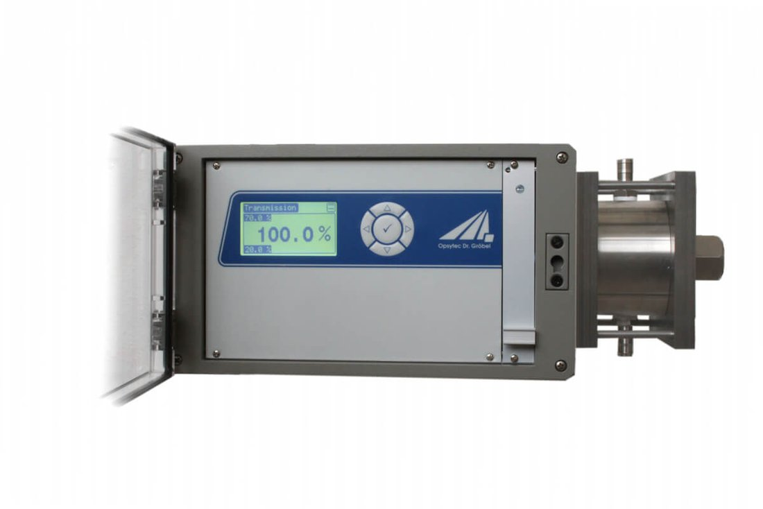 UV photometer FlowMissio is a double-beam photometer with pressurized water flow-through cell