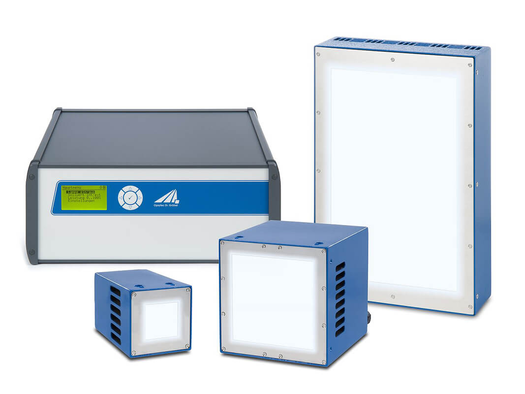 Air-cooled UV-LED light source with up to 8W/cm²